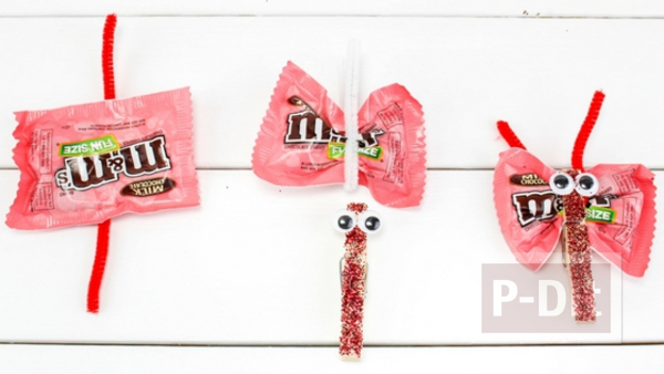 รูป 4 ทำขนมแจก แมลงปอส่งช็อคโกแลต น่ากิน