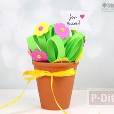 ดอกไม้ประดับ ทำจากแผ่นพลาสติก