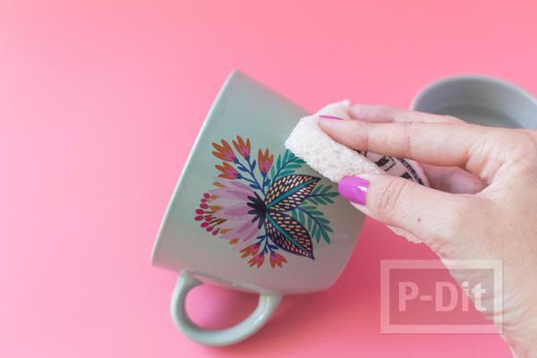 รูป 5 แก้วกาแฟ ตกแต่งลายสวยๆ จากกระดาษลอกลาย