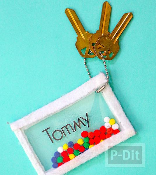 รูป 2 ไอเดียพวงกุญแจ ทำง่ายๆ จากกระเป๋าพลาสติกใส