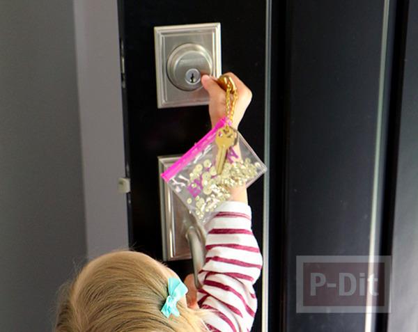 รูป 3 ไอเดียพวงกุญแจ ทำง่ายๆ จากกระเป๋าพลาสติกใส