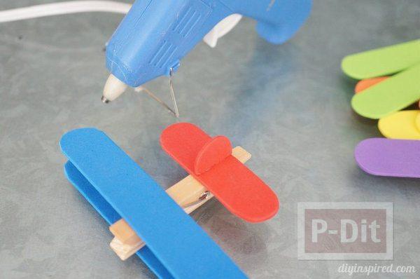 รูป 3 ทำเครื่องบินจากไม้ไอติม ไม้หนีบผ้า ลำเล็กๆ