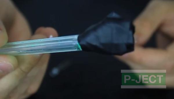 รูป 7 ดาบไฟ ทำจากปากกา และหลอดไฟเล็กๆ