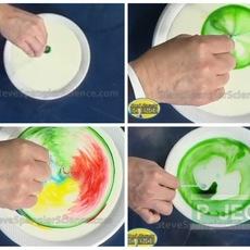 ทำการทดลองวิทยาศาสตร์ นมเปลี่ยนสี…
