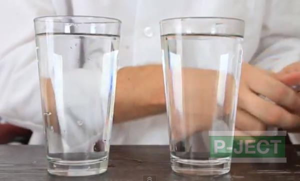 รูป 2 สังเกตการเคลื่อนที่ของสี ในน้ำธรรมดา และน้ำร้อน