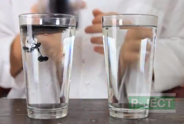 รูป 3 สังเกตการเคลื่อนที่ของสี ในน้ำธรรมดา และน้ำร้อน