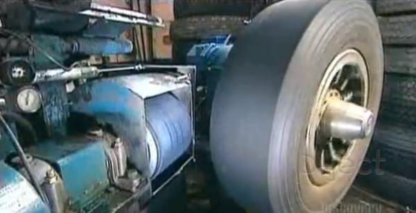รูป 4 โรงงานทำยางรถยนต์ หล่อยางเก่า นำมาใช้ใหม่