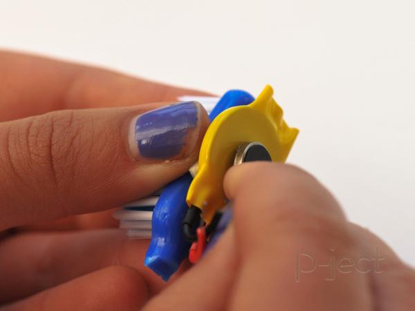 รูป 5 แปรงสีฟันหุ่นยนต์ หมุนไปมา
