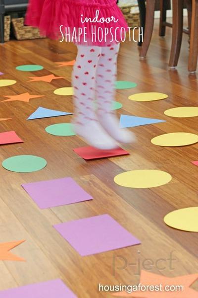 กิจกรรมในร่ม เรียนรู้เรื่องสี และรูปร่าง