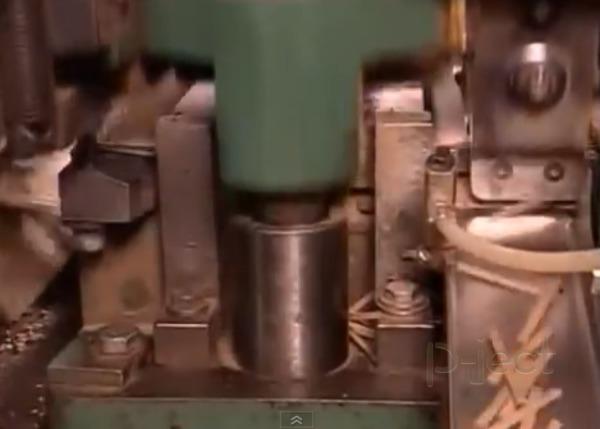 รูป 4 โรงงานทำไม้ขีดไฟ