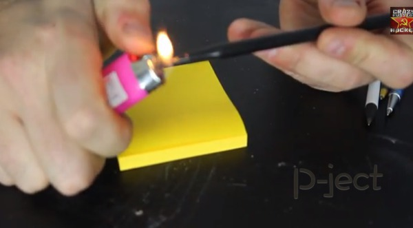 รูป 3 ปากกาลูกลื่นพัง ไฟแช็คช่วยได้