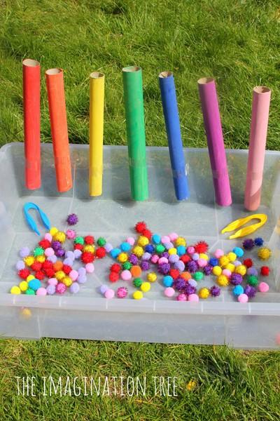 รูป 2 สอนเด็กแยกสี จากปอมๆสีสดใส