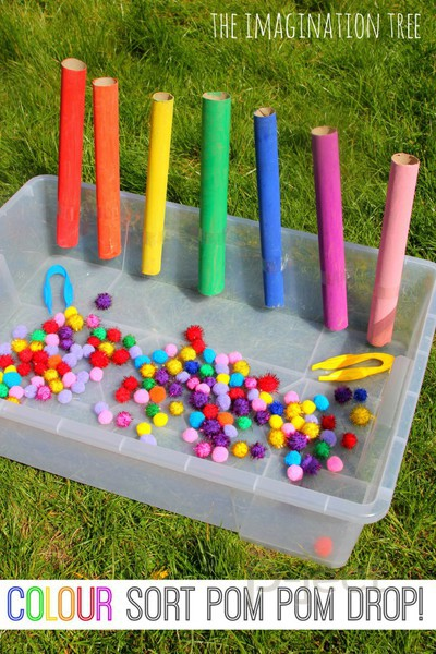 รูป 3 สอนเด็กแยกสี จากปอมๆสีสดใส
