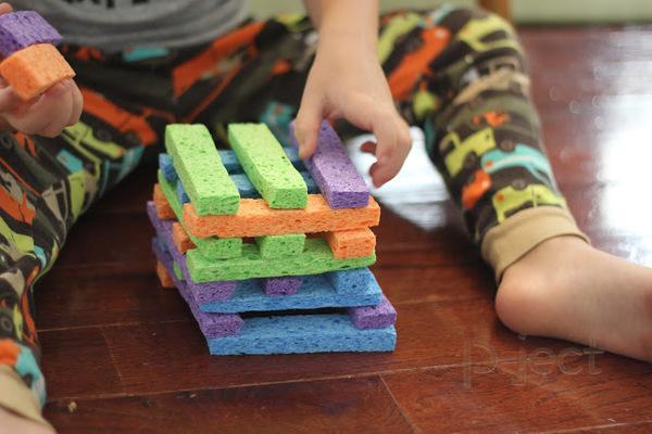 ทำของเล่น เสริมสร้างความคิดสร้างสรรค์ จากฟองน้ำ