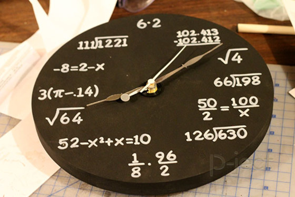 รูป 2 สอนทำนาฬิกา แก้โจทย์ปัญหาคณิตศาสตร์