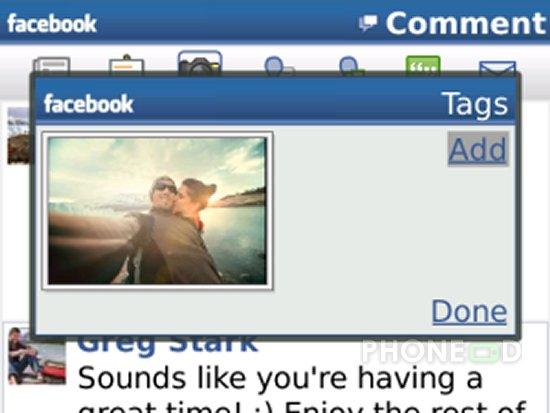 รูป 2 โปรแกรม Facebook สำหรับ iPhone และ Blackberry เวอร์ชั่นใหม่