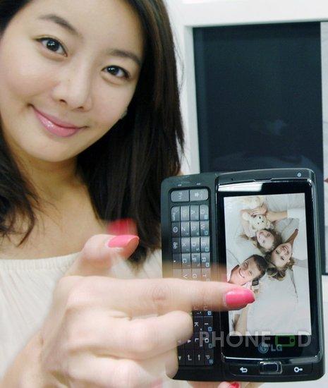 รูป 2 มือถือ LG Optimus 7 แนะนำตัว