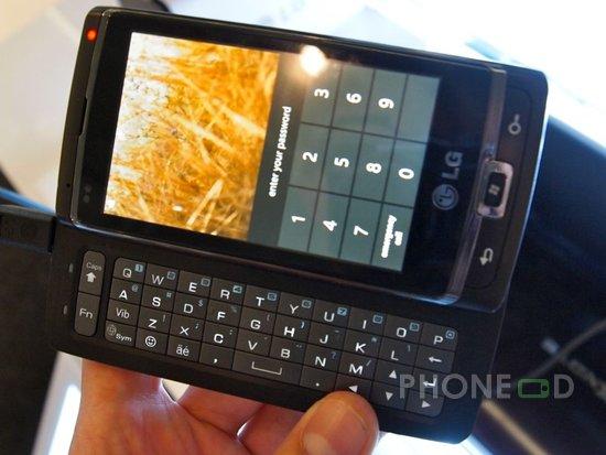 รูป 3 มือถือ LG Optimus 7 แนะนำตัว