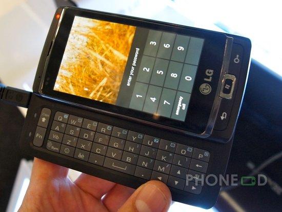 รูป 4 มือถือ LG Optimus 7 แนะนำตัว