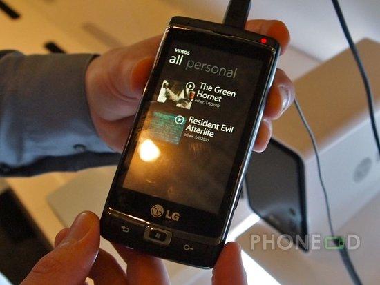 รูป 5 มือถือ LG Optimus 7 แนะนำตัว