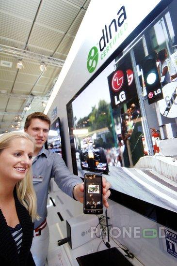 รูป 7 มือถือ LG Optimus 7 แนะนำตัว