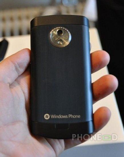 รูป 2 ข้อมูล LG Optimus 7 E900