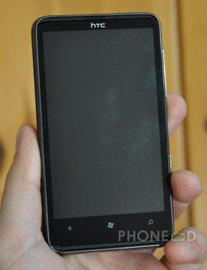 รูป 7 โทรศัพท์มือถือ HTC HD7