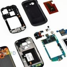 แยกชิ้นส่วน Nexus S แกะดูภายใน พบจอแบนราบ