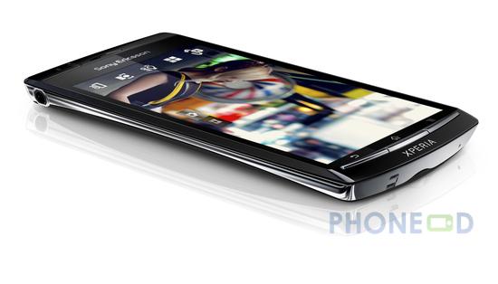รูป 2 โทรศัพท์ Sony Ericsson Xperia Arc