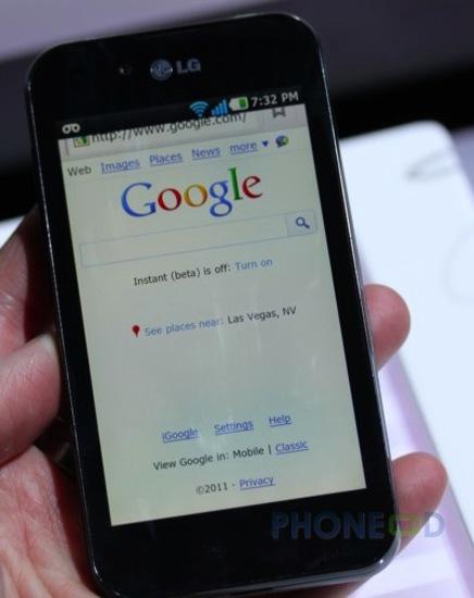รูป 3 โทรศัพท์ LG Optimus Black