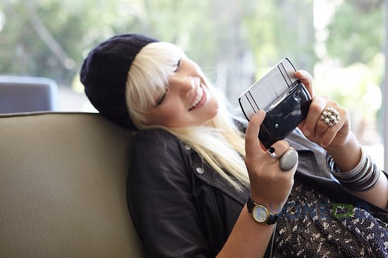 รูป 4 โทรศัพท์โซนี่อีริคสัน Xperia Play