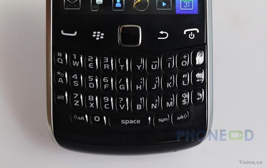 รูป 3 ภาพถ่ายมือถือใหม่ Blackberry Curve 9370