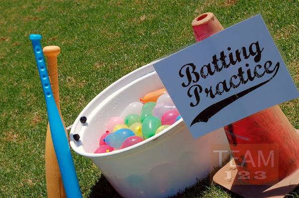 รูป 2 เกมส์ตีลูกบอลน้ำ สนุกๆ กิจกรรมนอกบ้าน