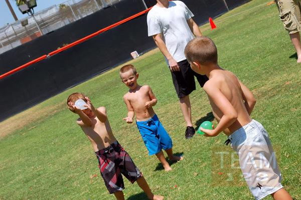 รูป 5 เกมส์ตีลูกบอลน้ำ สนุกๆ กิจกรรมนอกบ้าน