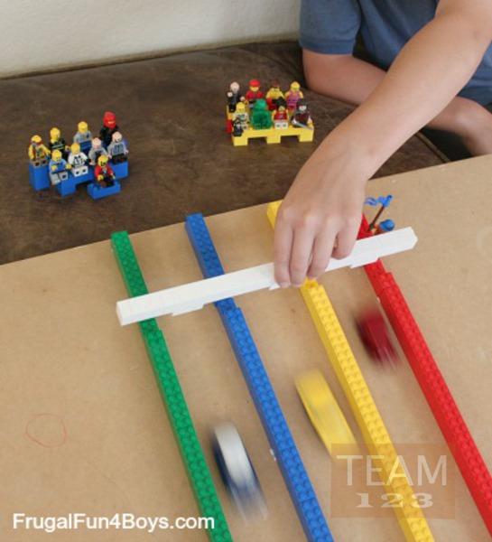 รูป 3 สอนทำเกมส์แข่งรถของเล่น จากเลโก้