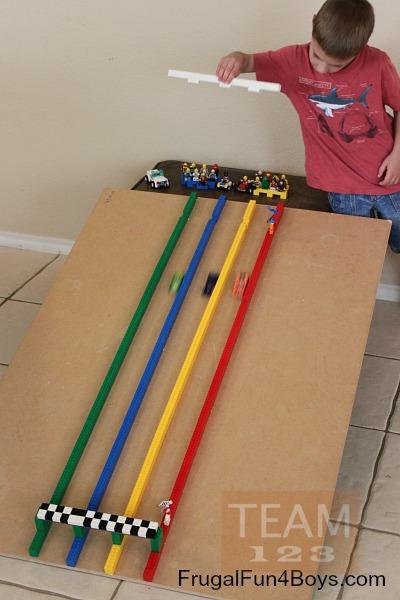 รูป 4 สอนทำเกมส์แข่งรถของเล่น จากเลโก้