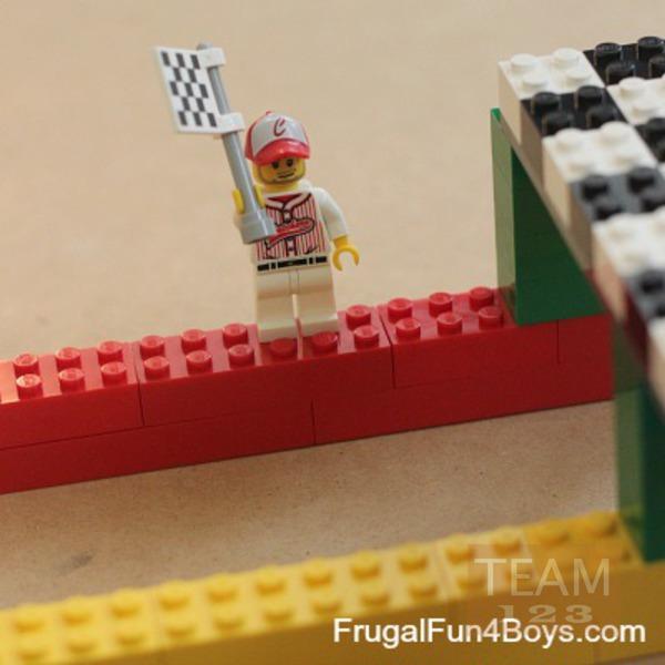 รูป 5 สอนทำเกมส์แข่งรถของเล่น จากเลโก้